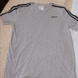ADIDAS tee that is a good fit for youth teens/kids
